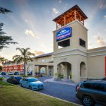 Howard Johnson puso en venta su hotel en Carlos Paz