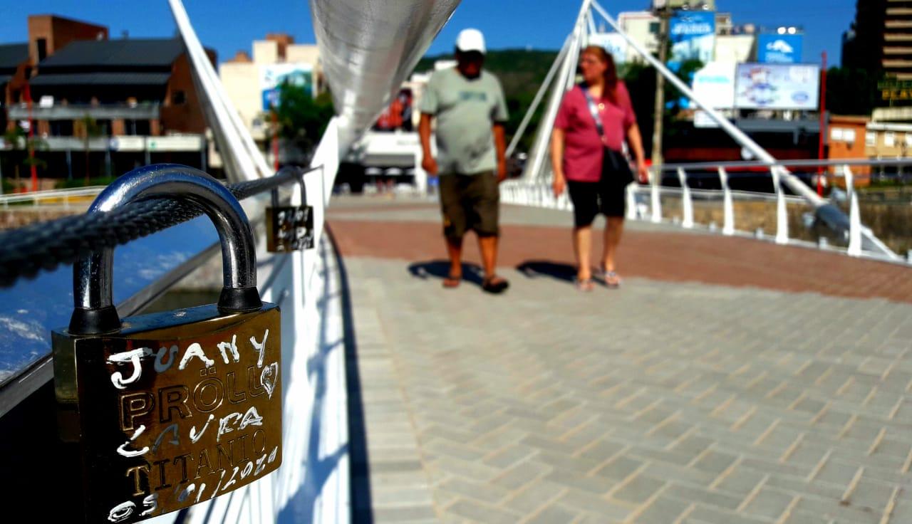 Puente del Centenario: El Crucero del Amor