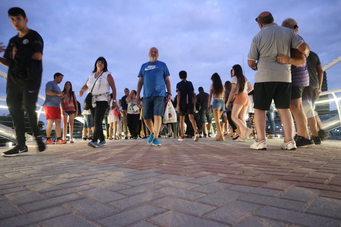 Reabrieron el paso a los peatones en el Puente del Centenario