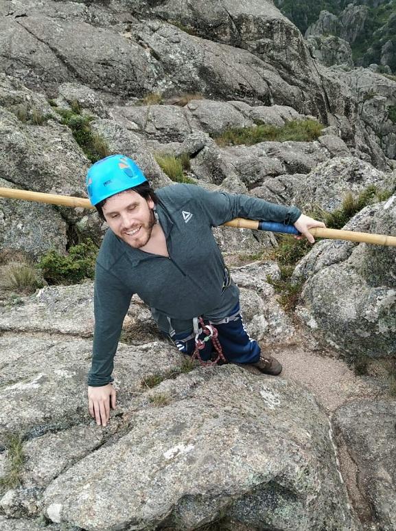 Gonzalo es ciego, se animó a subir e hizo cumbre en Los Gigantes