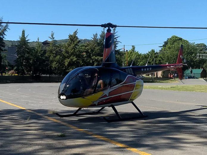 Ayelén a bordo del helicóptero de la polémica -Foto Sebastián Zimny