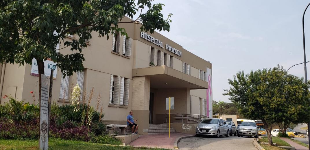 Cerraron un área del Hospital Rawson por 18 casos de Covid-19 entre el personal de salud