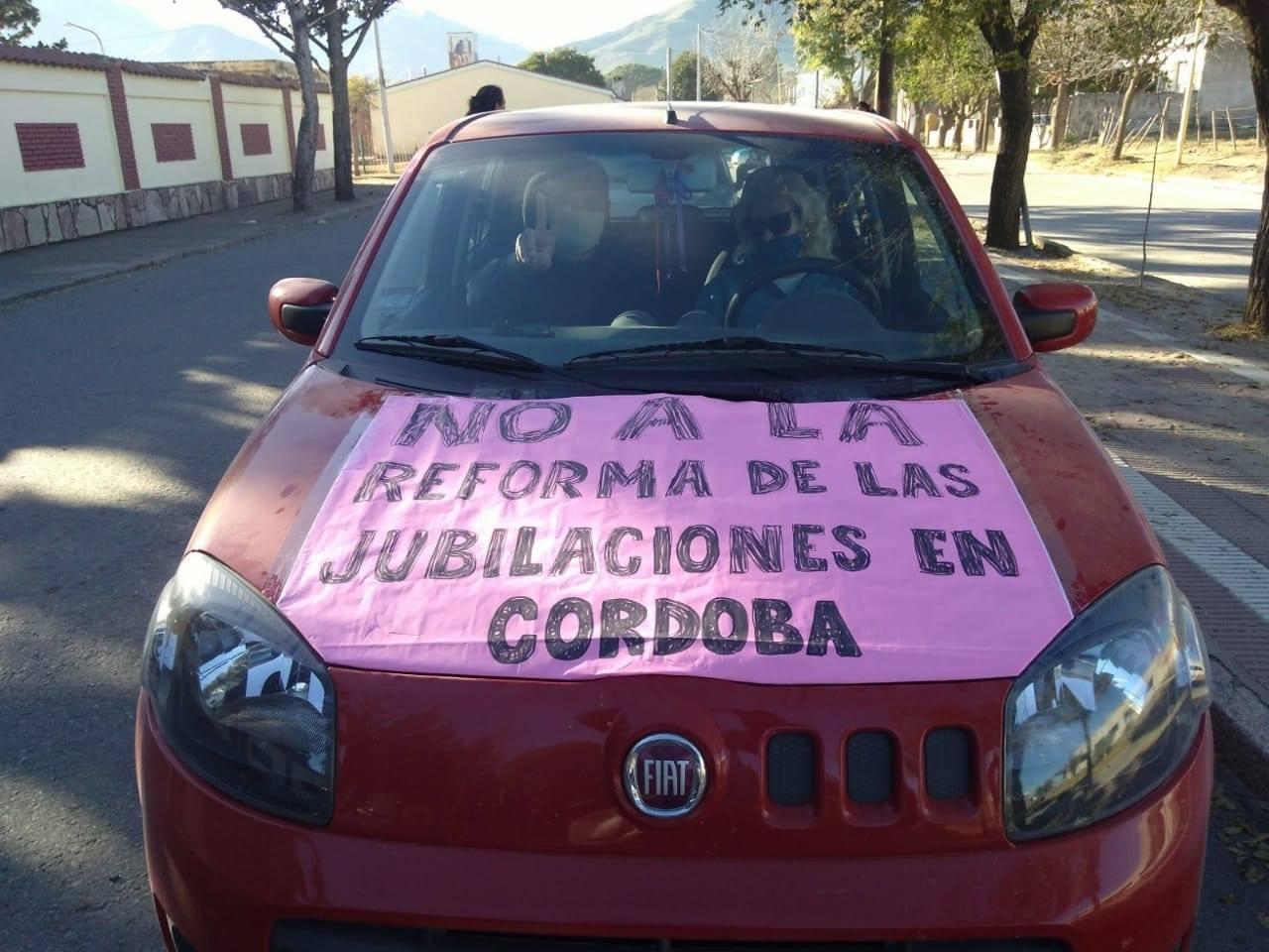 Fuerte rechazo a la nueva Ley previsional en localidades de Punilla