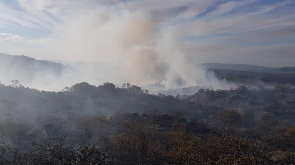 Impactantes imágenes del incendio entre Icho Cruz y Cuesta Blanca