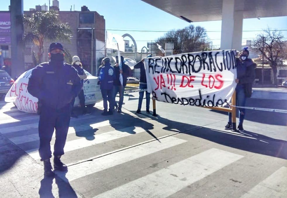 """Más reclamos de los trabajadores de YPF Villafuel: """"Nos deben desde marzo y nos intiman a retornar al trabajo"""""""