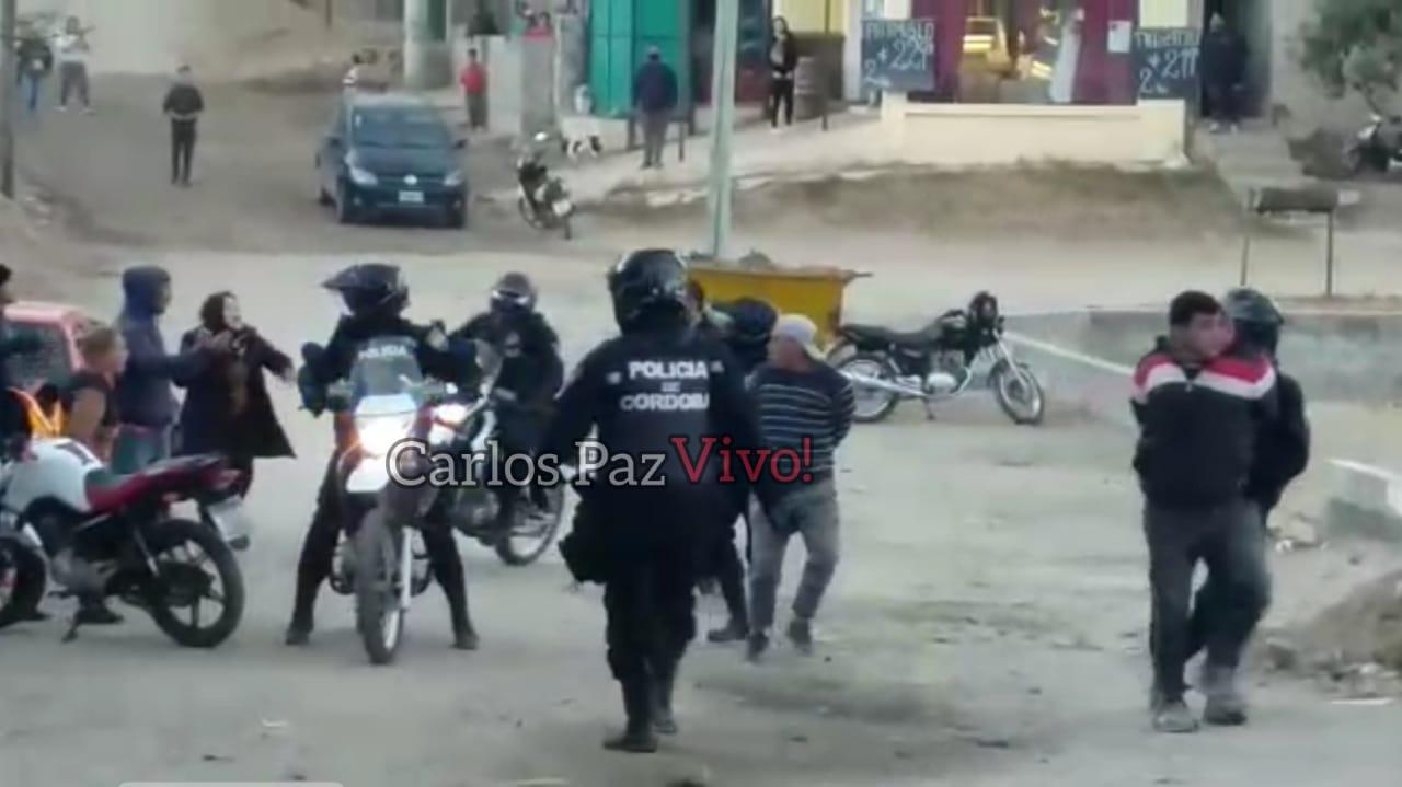 Otro partido de fútbol, otra batalla campal con disparos en Carlos Paz -VIDEO