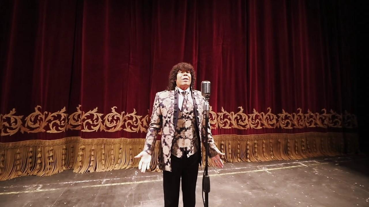 """9 de Julio: La """"Mona"""" Jiménez presentó su versión del Himno Nacional"""
