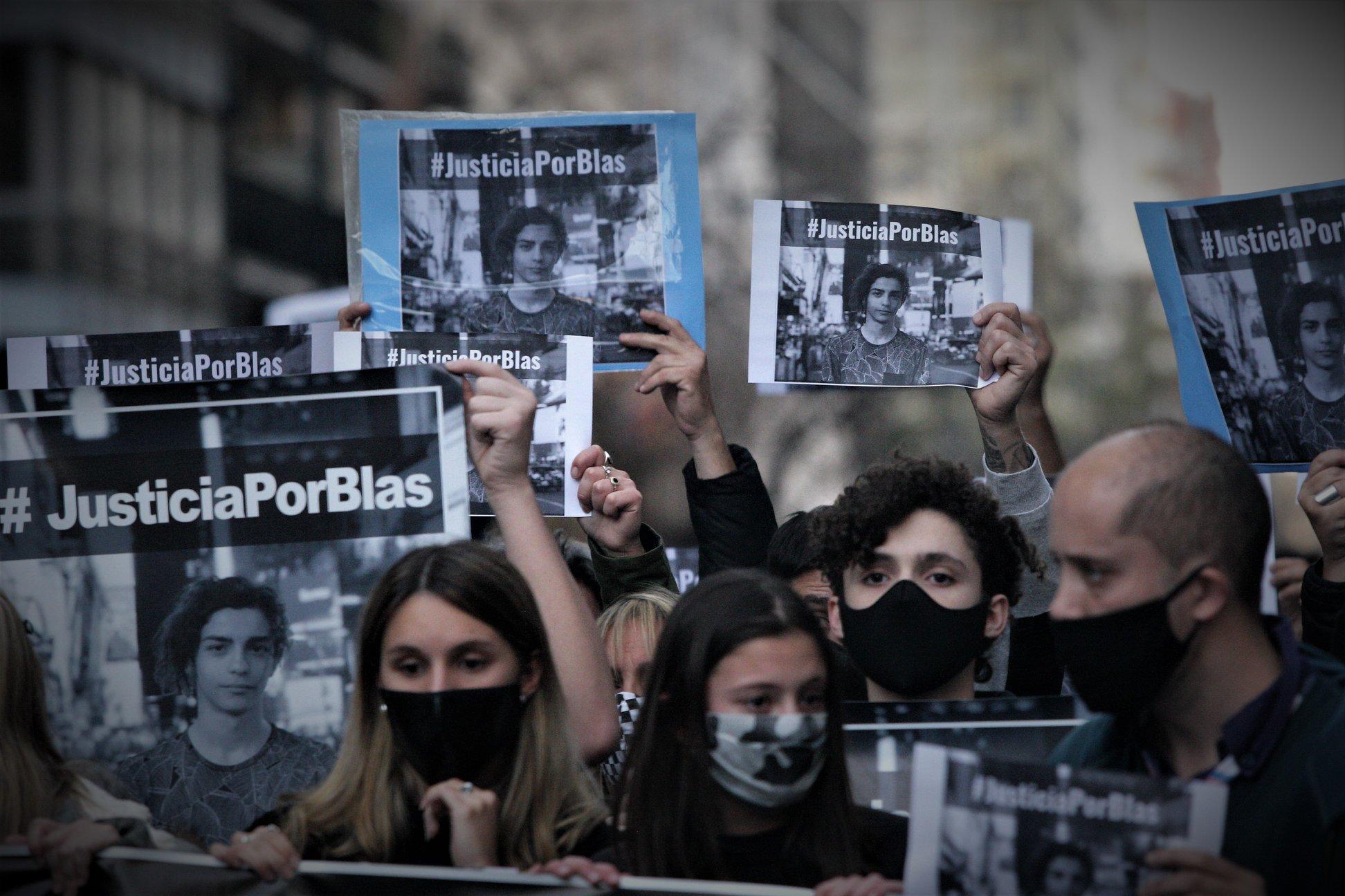 Córdoba: Una multitud silenciosa marchó para pedir justicia por Blas Correas