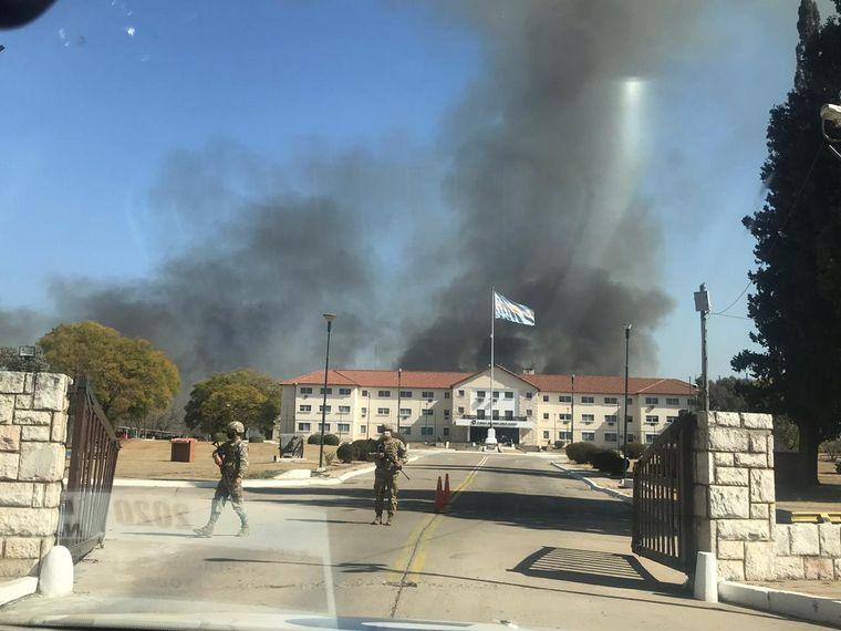 Se extendió el incendio del campo militar de La Calera