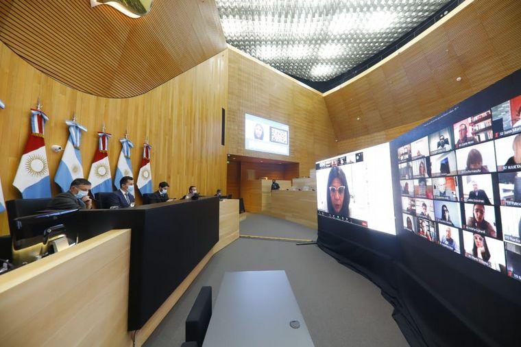 Córdoba: La Legislatura aprobó que la Ley Micaela llegue a los clubes