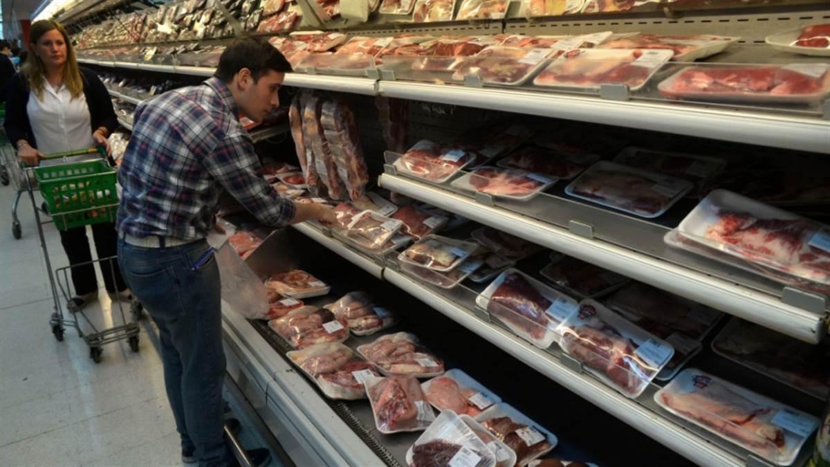 El consumo de carne en abril fue el más bajo en 100 años