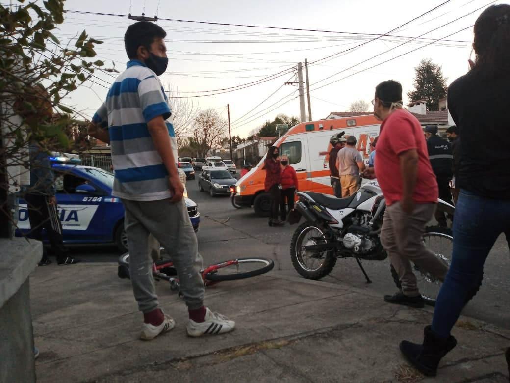 Carlos Paz: Un ciclista resultó herido tras ser embestido por una camioneta