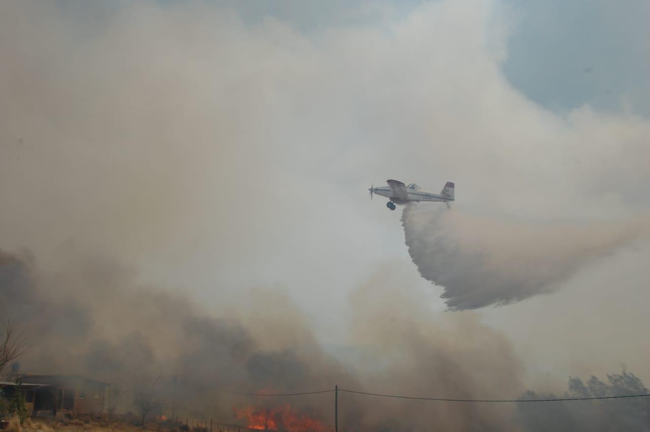 Preocupa el incendio forestal que avanza hacia Villa Giardino