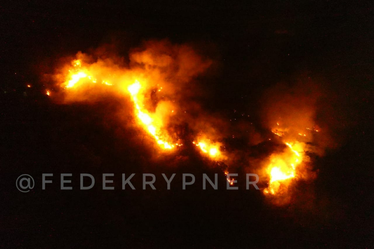 Impactantes imágenes aéreas de los incendios en Carlos Paz y la región