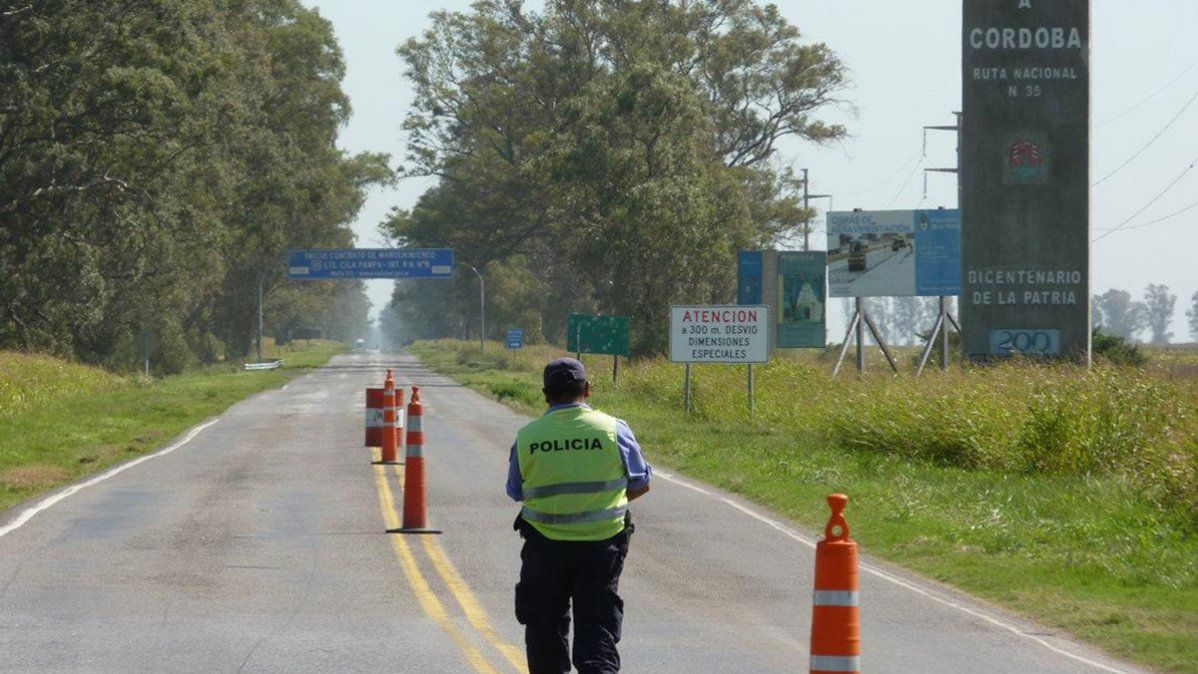 No dejaron pasar a una ambulancia de Córdoba a La Pampa y el paciente murió