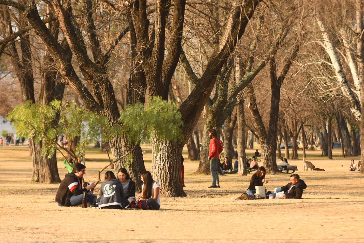 Reuniones en Carlos Paz: Cuáles son los espacios habilitados y hasta cuántas personas