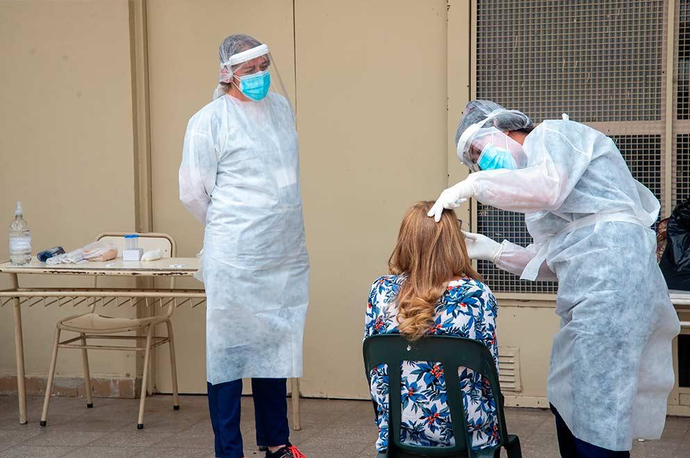 38 muertes y 1.804 casos de coronavirus este martes en Córdoba