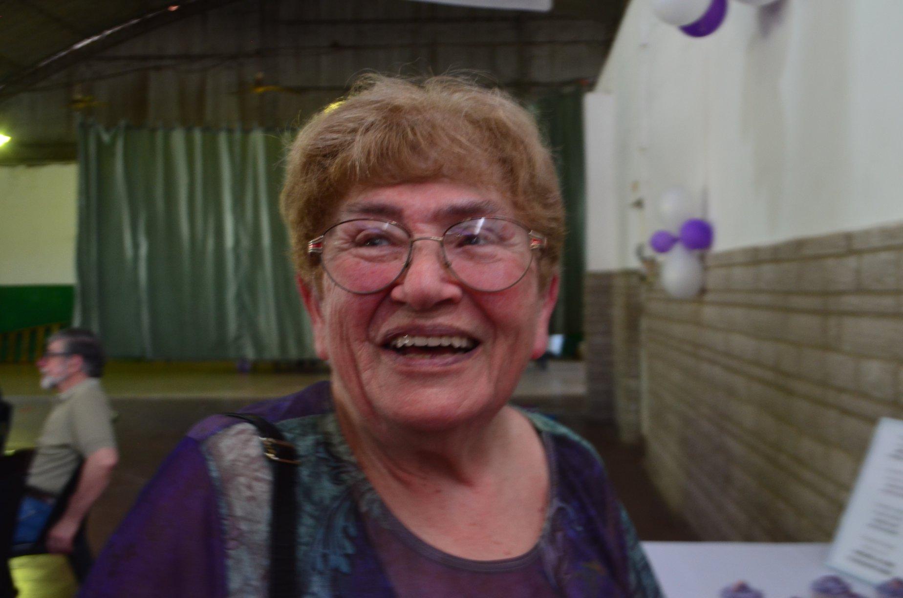 Honrar la vida: Con una canción, la familia de Olga le festejó los 81 años a la distancia (video)
