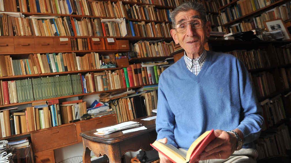 Falleció Oscar Caeiro: reconocido ensayista, escritor y docente de la UNC