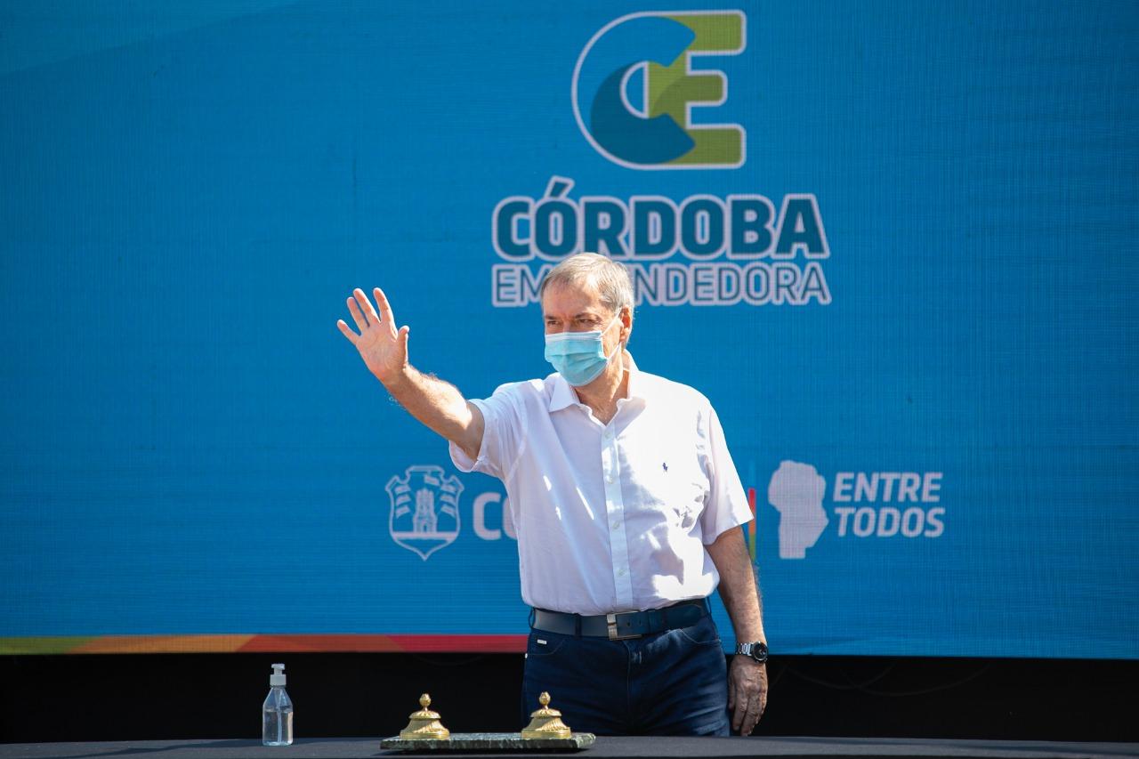 El gobernador Schiaretti será operado de un quiste complejo en un riñón