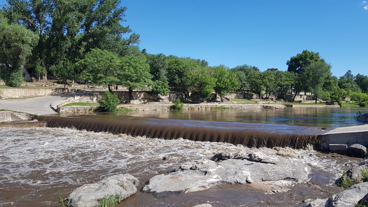 ¡Llegó la crecida al San Roque! Ingresan 1.70 metros por el río San Antonio