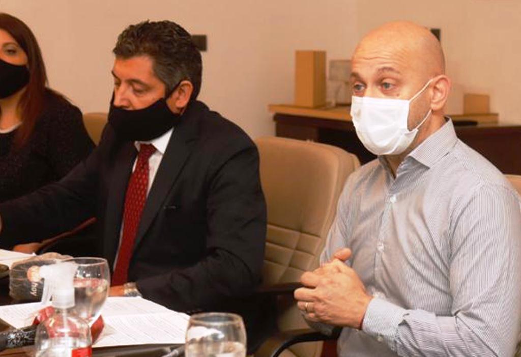 El municipio acusó a la Coopi y al Sipos de precarizar a los trabajadores del agua
