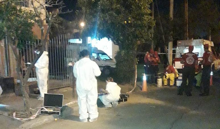 Una mujer fue asesinada a puñaladas en su departamento: Un detenido