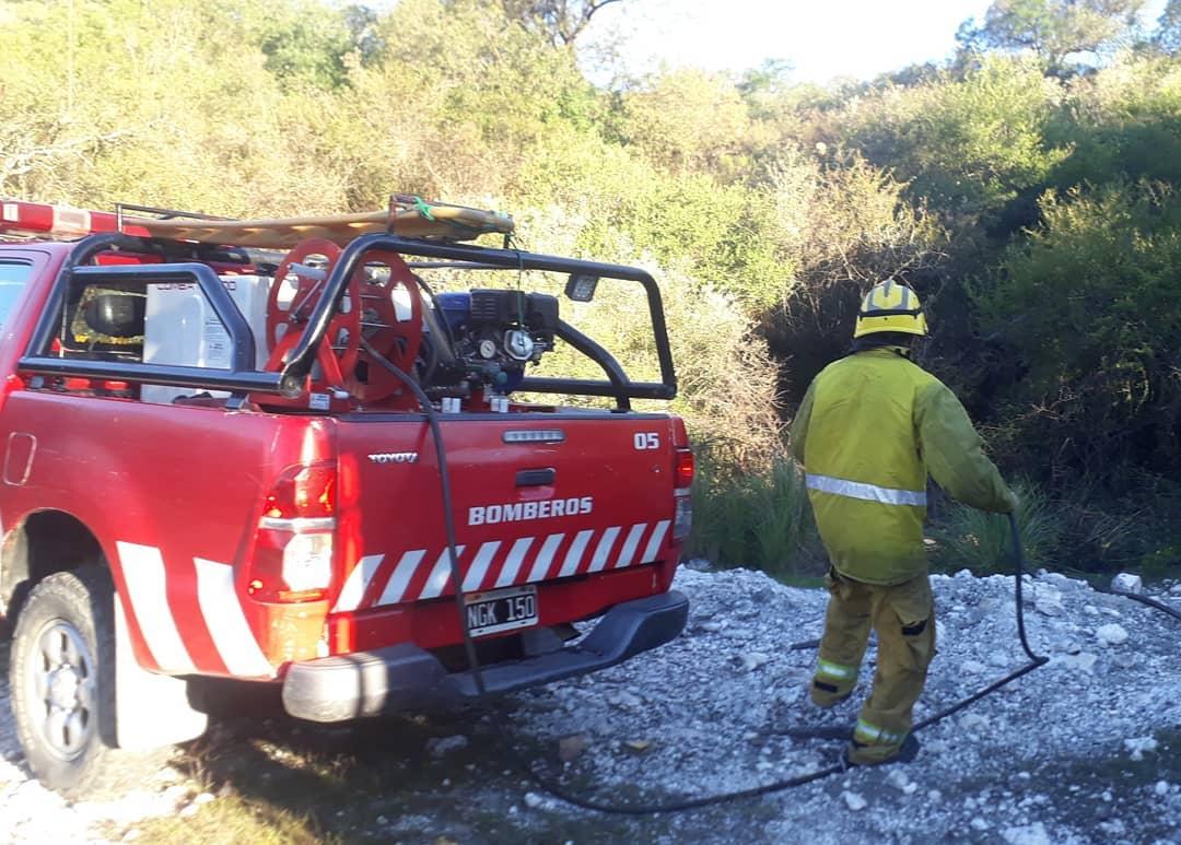 Bomberos sofocaron un incendio forestal en Icho Cruz
