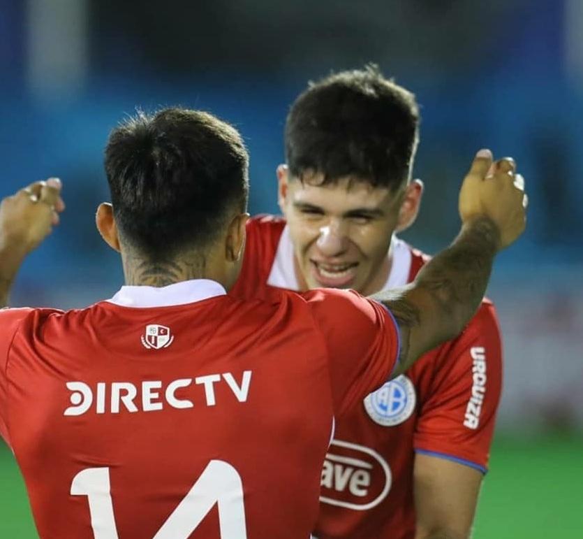 Bruno Zapelli fue titular y la rompió: asistió en los dos goles de Belgrano (Video)