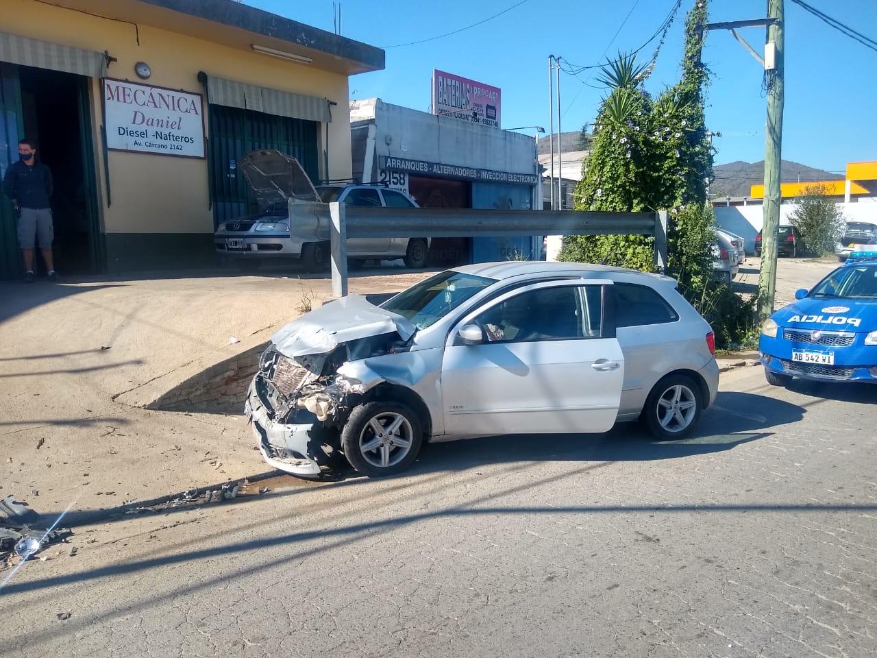 Chocaron dos autos y resultó herido un trabajador de Cotreco