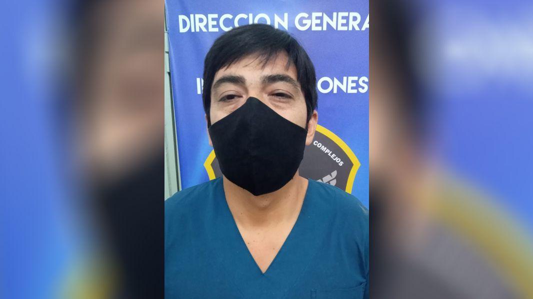 Santiago: Detienen a enfermeros que robaban vacunas y las cobraban a $30 mil