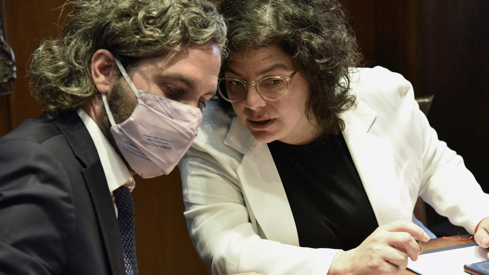 El Gobierno se reúne con científicos mientras avanza el plan de vacunación