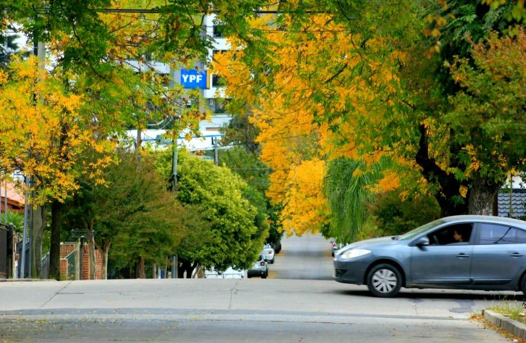 Salió el sol y el otoño pinta sus colores en Carlos Paz y la Región