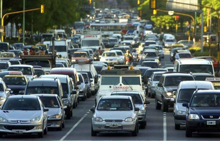 Para el mes de abril, se espera un nuevo ajuste en el precio de los seguros de auto