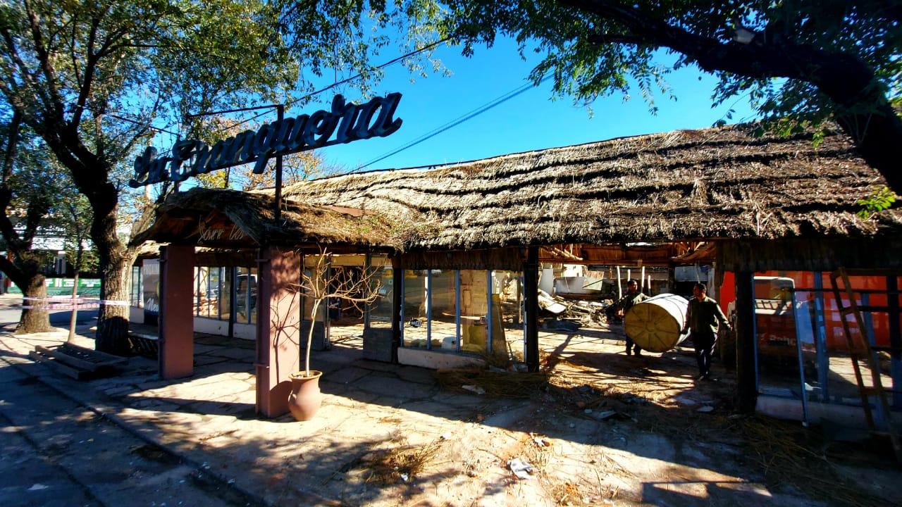 Adiós a La Tranquera: Demolieron la tradicional parrilla de Carlos Paz