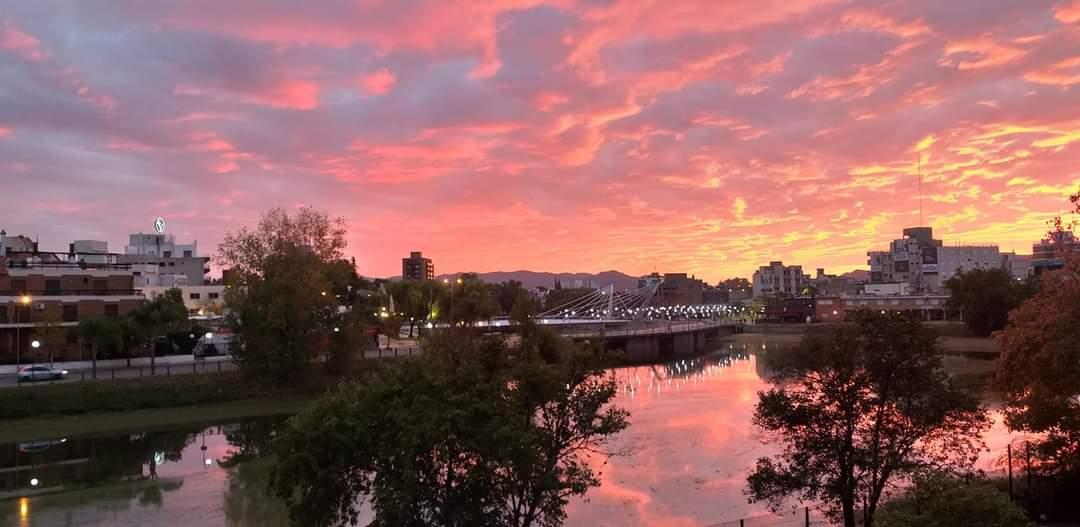 Galería de Fotos: Otro regalo del cielo en el amanecer carlospacense