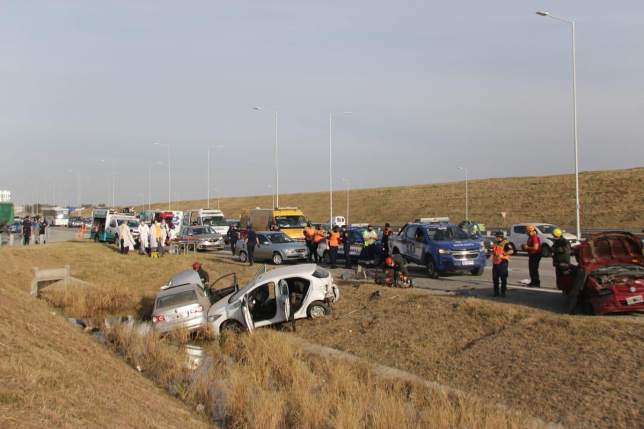 Tragedia en la Circunvalación: Conductor ebrio chocó a dos autos y mató a dos personas