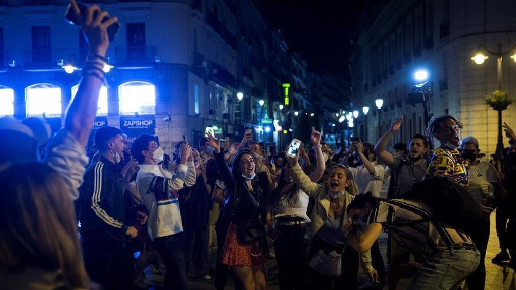 """Descontrol en España tras el fin del """"estado de excepción"""" por el coronaviru"""