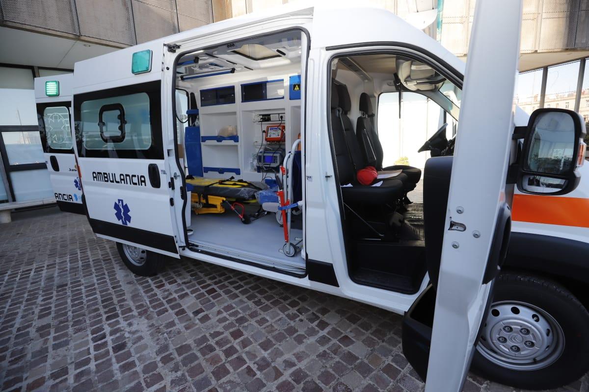 La Provincia entregó una ambulancia de alta complejidad al Hospital Domingo Funes