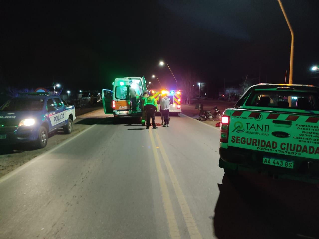 Tanti: Chocaron dos motos en la ruta 28 y 4 personas resultaron heridas