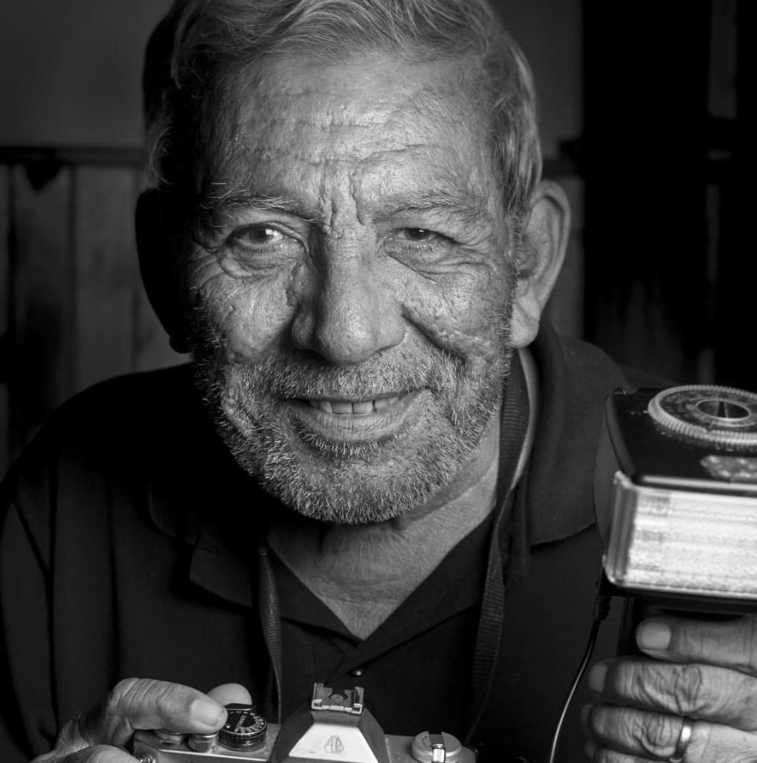 Pesar por la muerte del fotógrafo Luis Raimundo Coronel