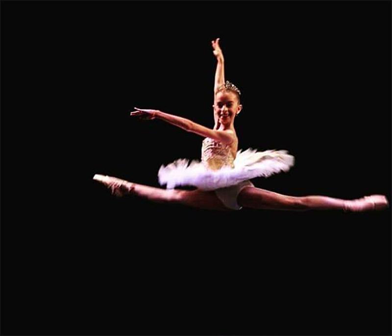 La mejor niña bailarina del país es de Carlos Paz y necesita ayuda para cumplir su sueño