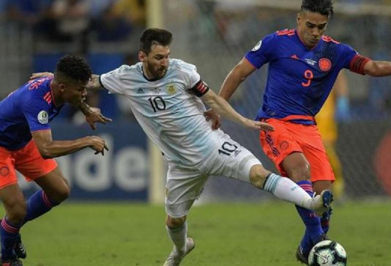 Debut para el olvido: Argentina perdió 2-0 ante Colombia