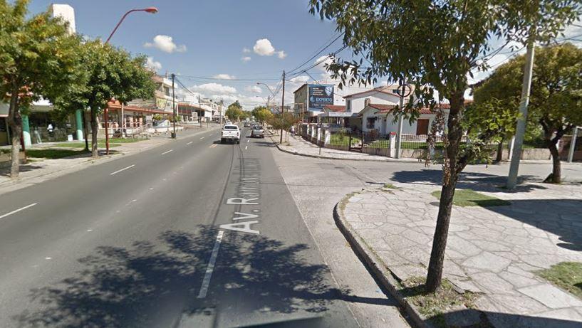 Resultó herido un motociclista tras chocar contra un auto en Av. Cárcano