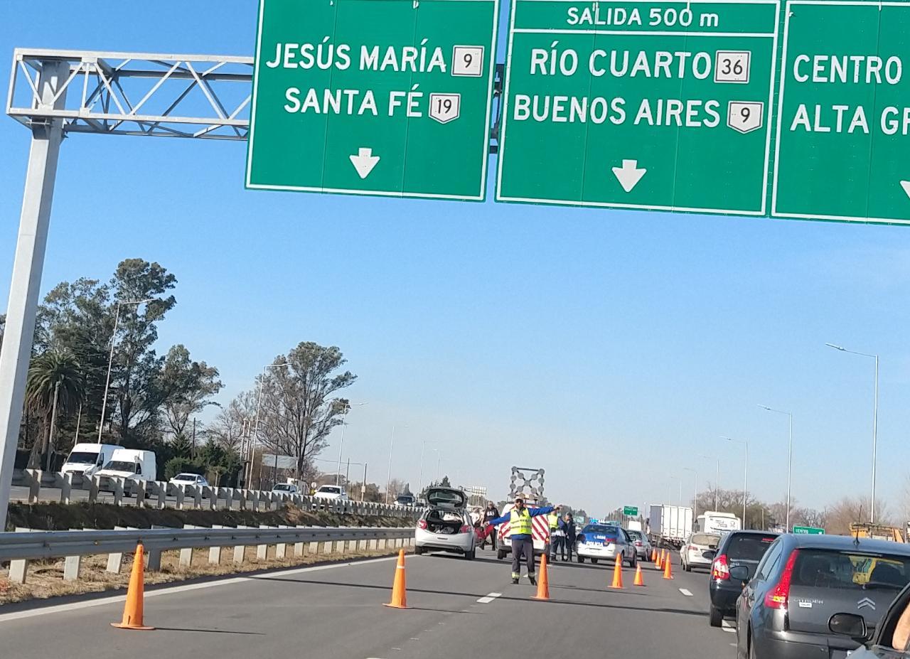 Un accidente provocó demoras en el ingreso a Córdoba por la autopista