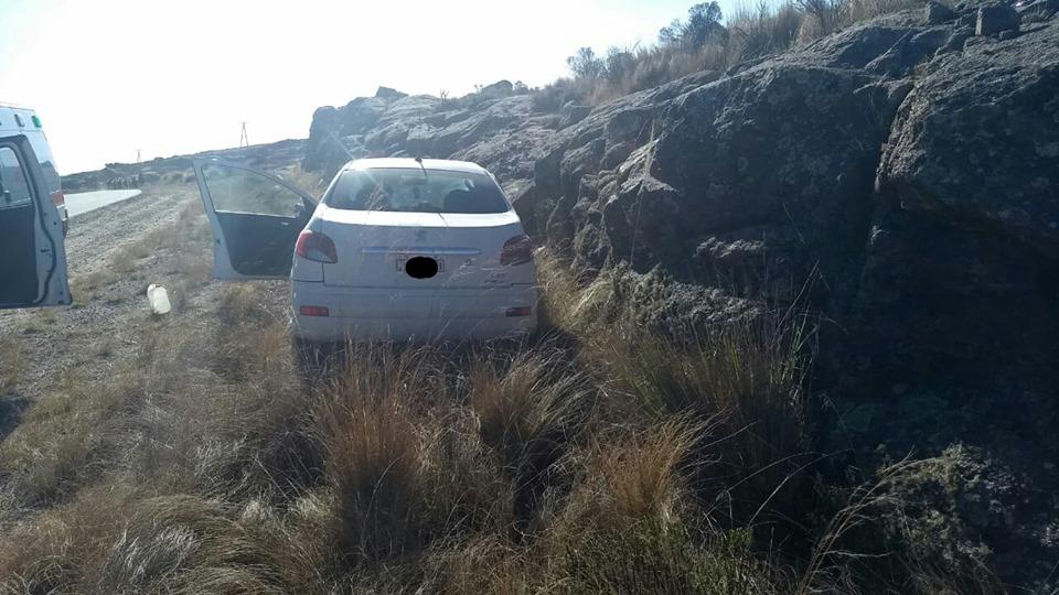 Atravesaban el Camino de las Altas Cumbres y perdieron el control del auto