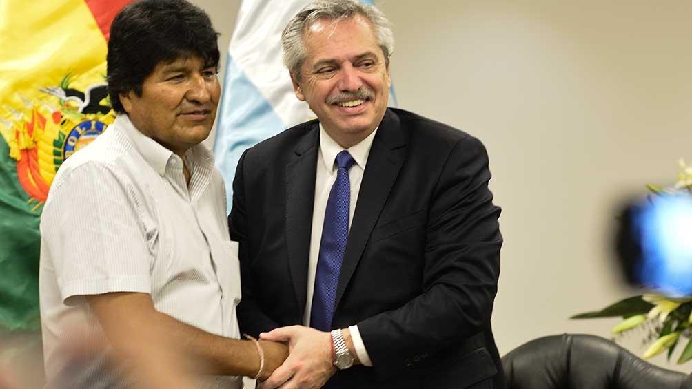Evo Morales llegó a Argentina y pide el estatus de refugiado