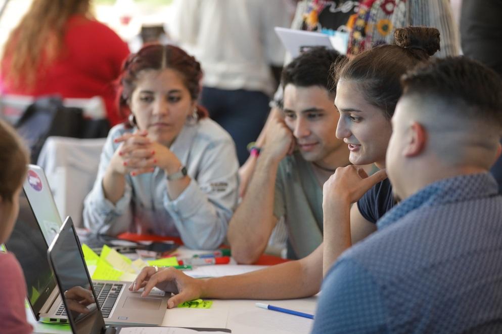 Inclusión digital: Conectividad Córdoba capacitó a más de 5 mil alumnos